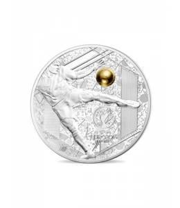 """Сребърна монета """"Велики спортни събития – Уефа ЕВРО 2016- Силен удар"""" с частично златно покритие"""