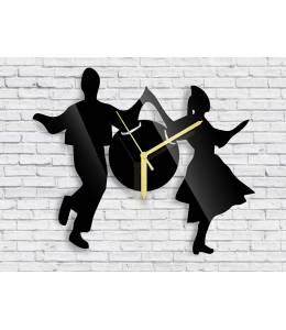 Стенен часовник народни танци