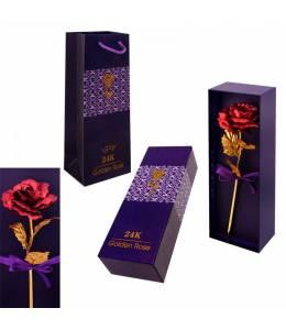 Червена златна роза в кутия