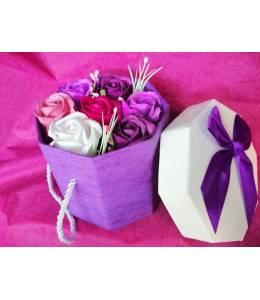 Кутия сапунени рози